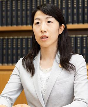 岡崎弁護士写真